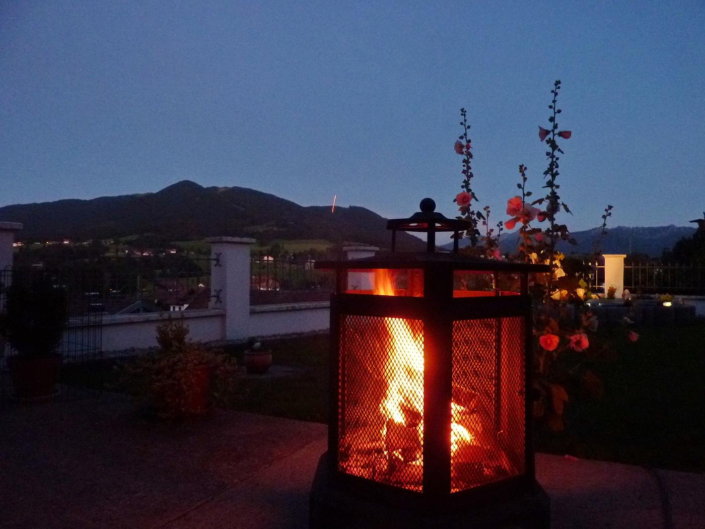 Genießen Sie einen entspannten Abend auf der Terrasse